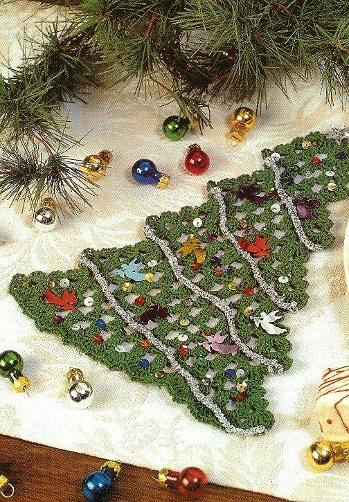 X080 Crochet PATTERN ONLY Christmas Tree Doily Pattern Rare