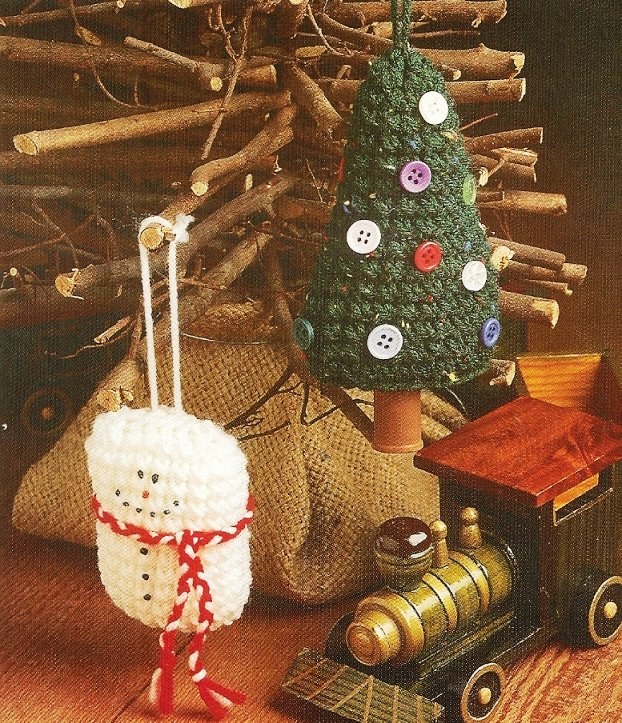 X928 Crochet PATTERN ONLY 2 Christmas Wonderland Ornament Snowman & Tree