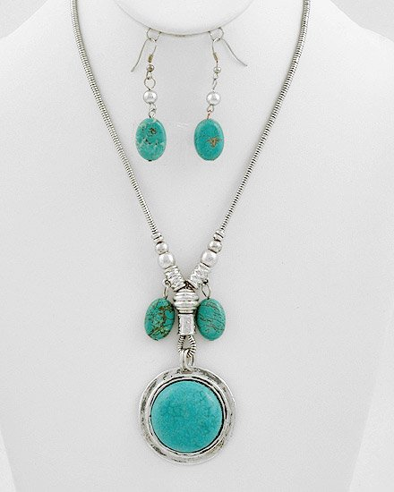 Silvertone / Turquoise Gemstones Pendant Necklace & Fish Hook Earring Set