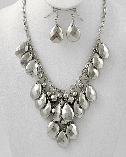 Goldtone Metal Graduating Flower Necklace & Fish Hook Earring Set