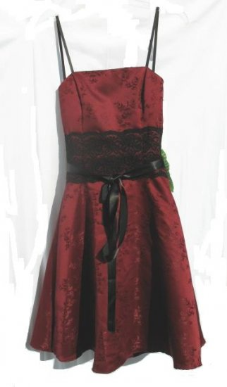 URBAN GIRL Juniors Burgandy Lace Formal Dress 3 4 NWT NEW