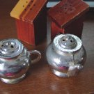 Novelty Salt & Pepper Shakers Teapots Outhouses #300411