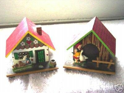 Two Small Wooden House Chalets Banks at Periwinkles #300095