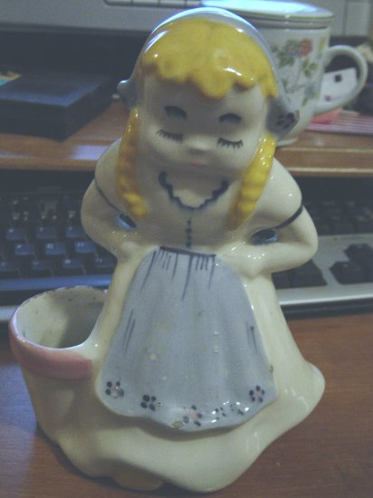 Vintage Traditional Little Dutch Girl Planter #300188