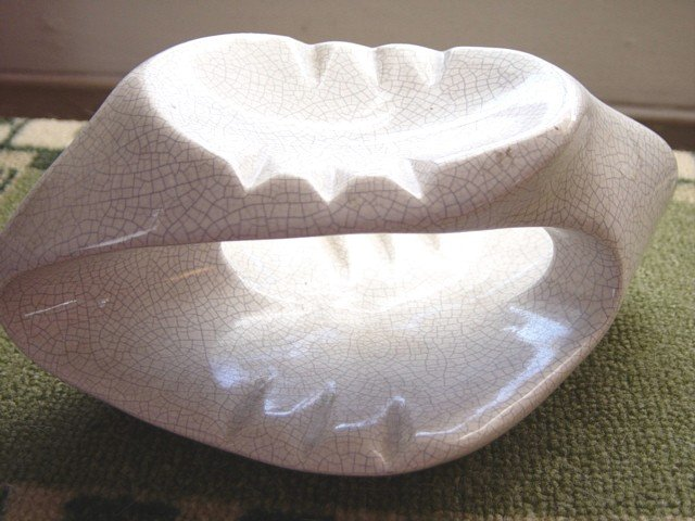 Vintage White Collectible Double Decker Retro Ashtray #300579