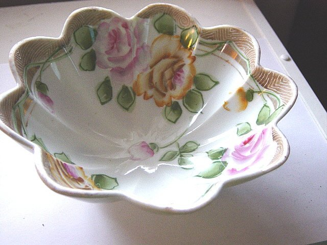 Beautiful Hand Painted Fluted Footed Nippon Bowl #300923