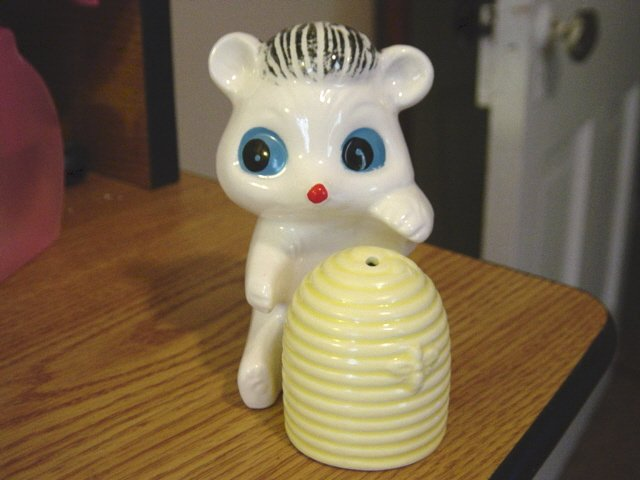 Vintage Set of Squirrel and Honey Pot Salt & Pepper Shakers  Japan at Periwinkles #300934