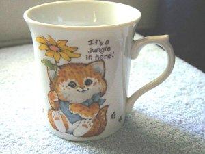 1983 It's a Jungle in Here Enesco Critter Sitters Mug  #301029