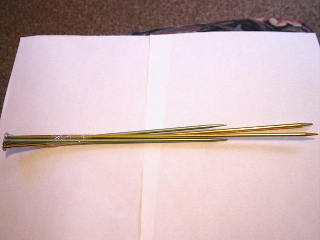 Two Pairs of Boye Metal Knitting Needles Single Point Size 6 and 7 #301210