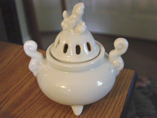 White Porcelain Foo Dog Incense Burner OMC Japan #301248