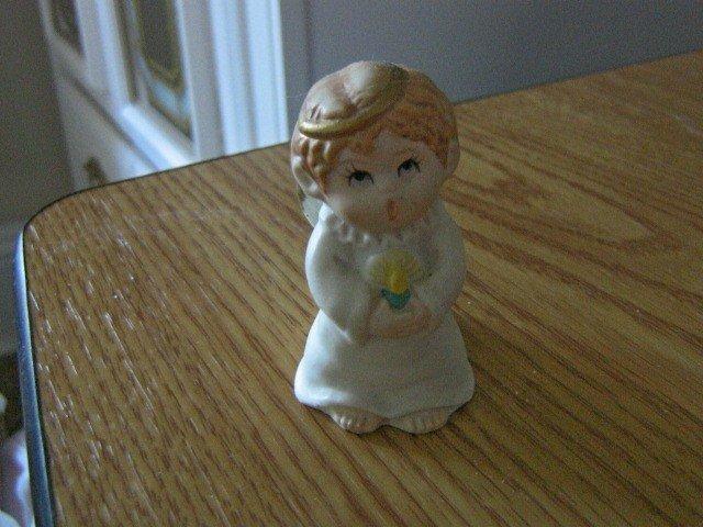 #2525 Russ Berrie Ceramic Angel Candleholder Figurine #301409