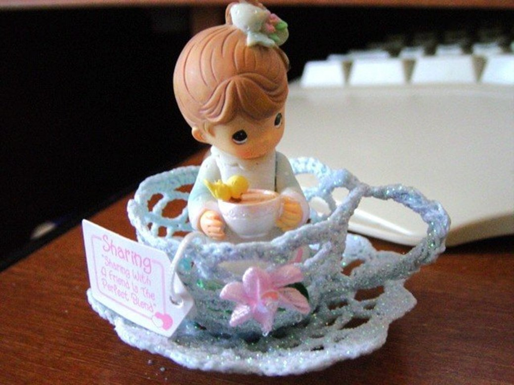 2004 Enesco Precious Moments Little Girl in Teacup Sharing Figurine   #300985