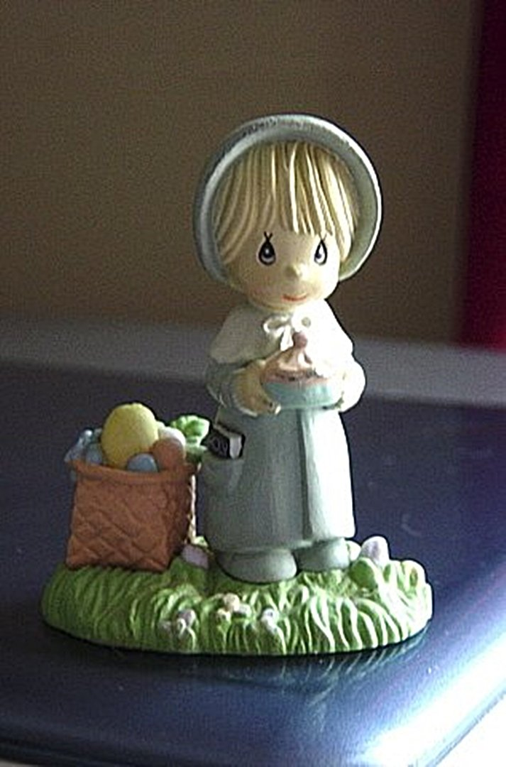 1989 Precious Moments Plastic Enesco Church Going Girl Figurine #300657