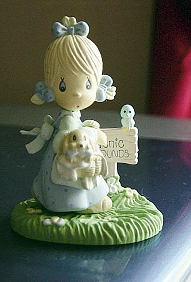 1989 Precious Moments Plastic Enesco Picnic Girl Figurine #300656