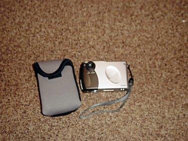 Vivitar Vivicam 20 Digital Camera and Case #301348