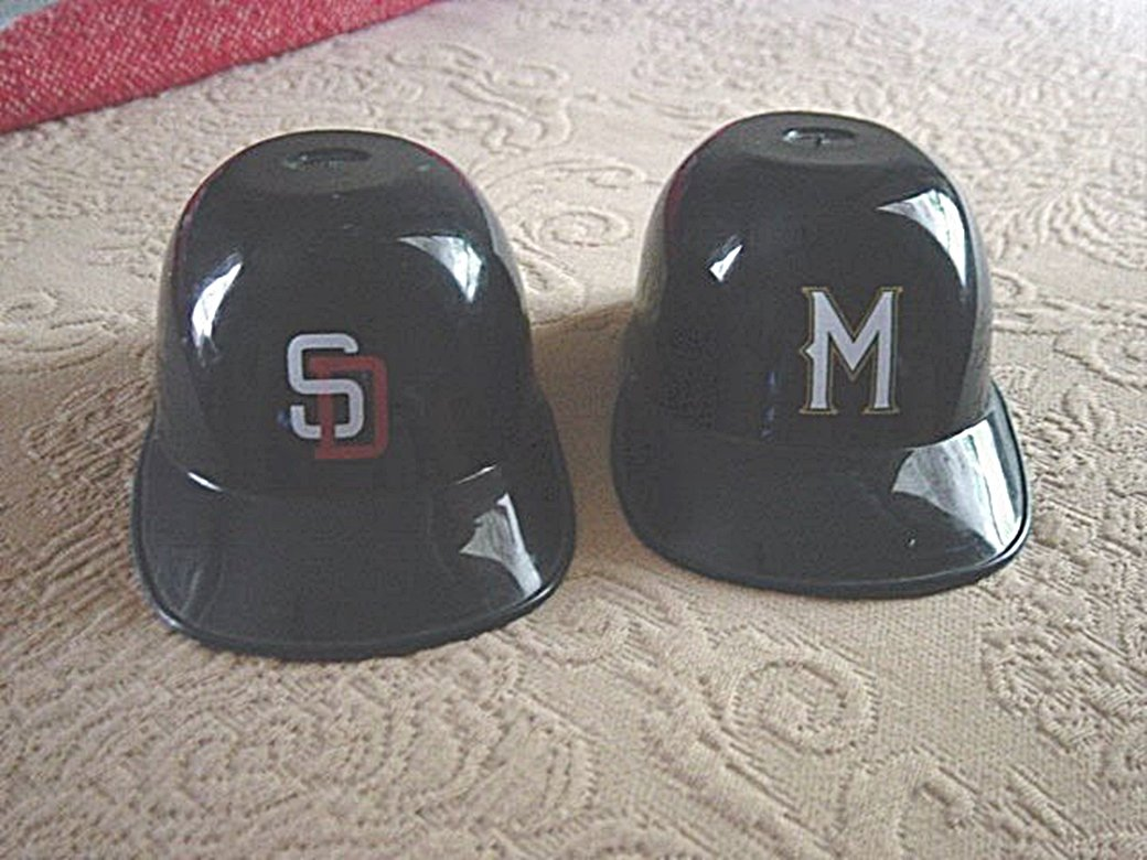 Two Laich Plastic Miniature Baseball Caps San Diego Padres and Milwaukee Brewers #300883