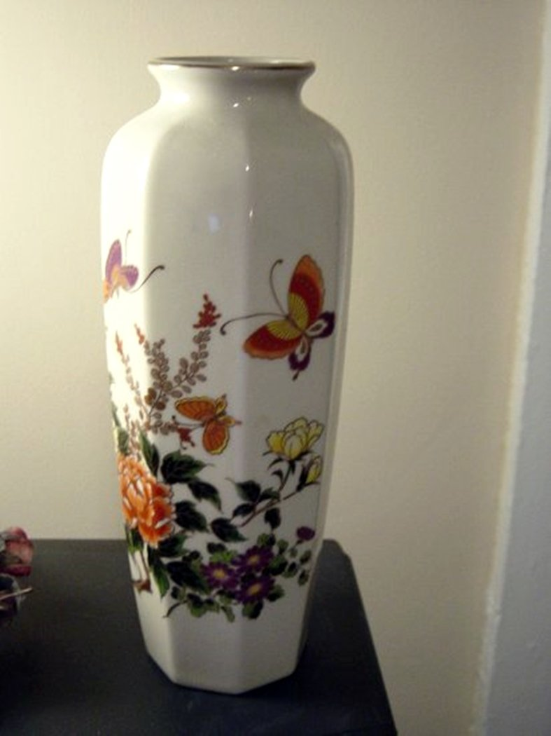 Otagiri Japan Hand Painted Flowers and Butterflies Vase #300205