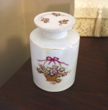 Vintage Collectible IW Rice White With Flower Basket Glass Bedside Decanter Bottle #302054