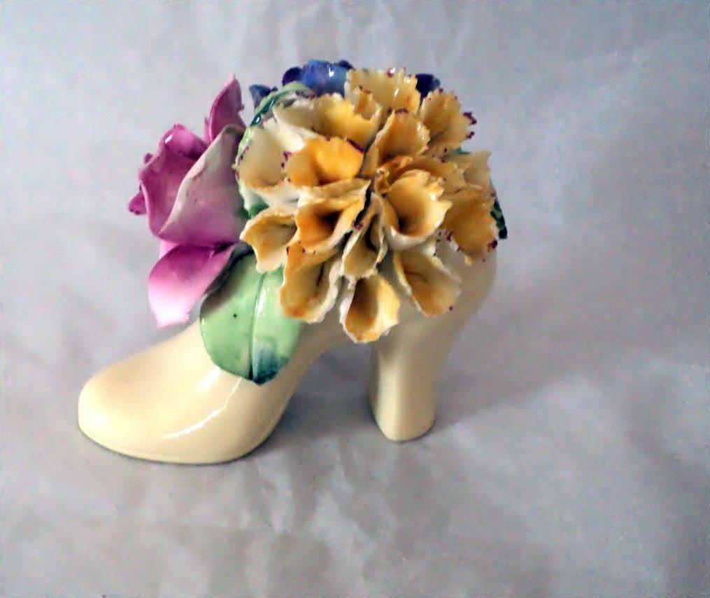 Vintage Floral Radnor Bone China Made in England Shoe figurine #301946