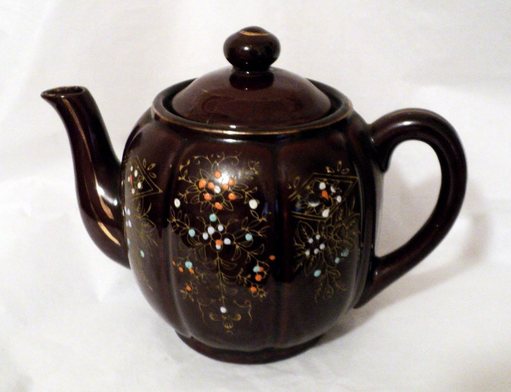 Vintage Japanese Red Clay Teapot with Moriage Glaze #302225
