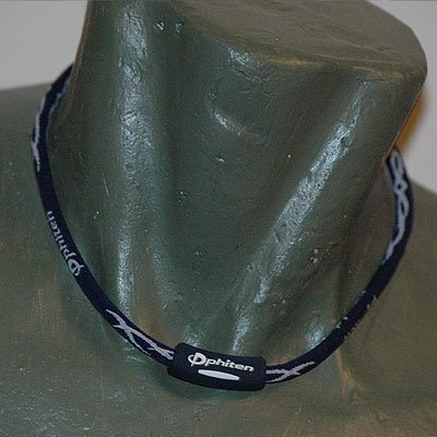 "Phiten Titanium X30 Tribal Navy/White necklace 18"""""