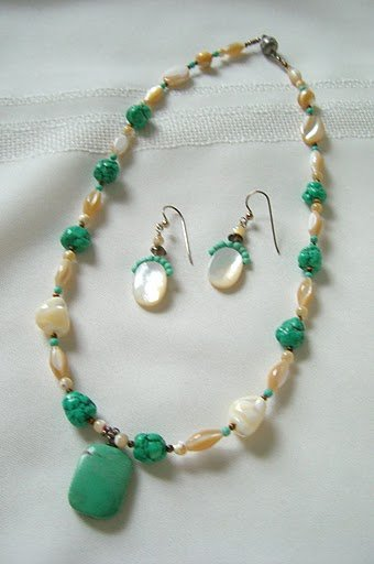 Turquoise Pendant with Mother-Of-Pearl Nuggets and Melon Bead Necklace 3008