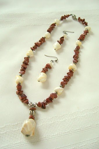 38mm Natural Mother-Of-Pearl  with Sterling Silver, Goldstone Pendant and Nuggets Necklace Set 3061