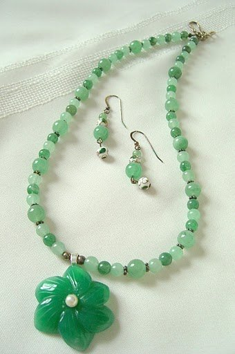 Aventurine Etched Flower Pendant ,Jade and Moss Agate Beaded Necklace Set 3242
