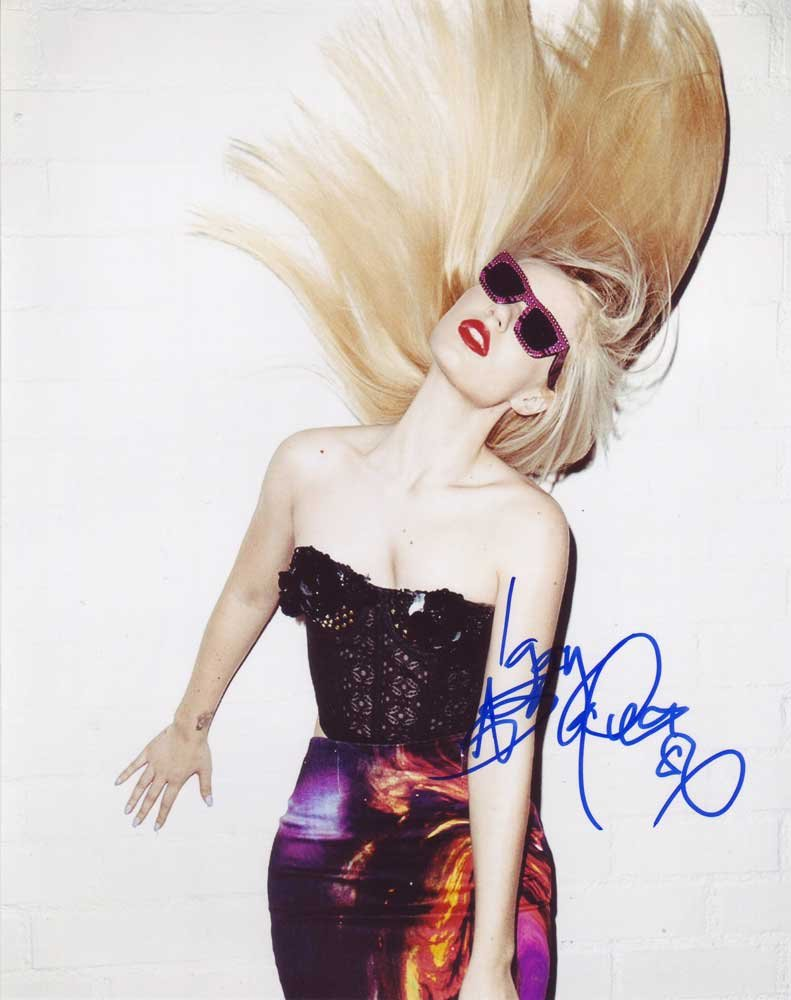 Iggy Azalea in-person autographed photo