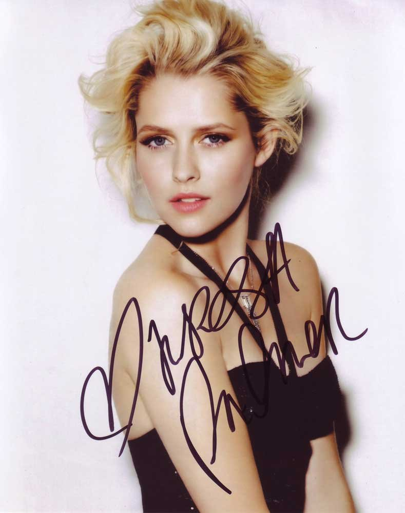 Teresa Palmer in-person autographed photo