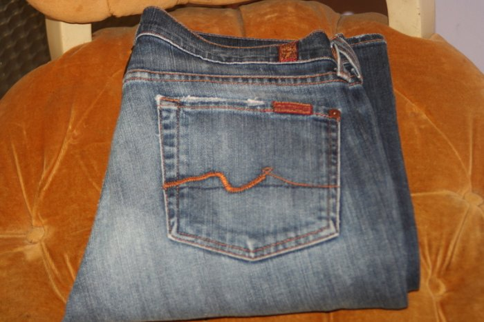 SEVEN FOR ALL MANKIND WOMENS BOOTCUT JEANS SIZE 27 X 31