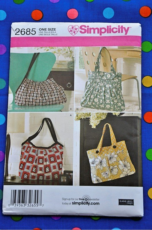 Simplicity 2685 Sewing Pattern for Shoulder bag with varing styles and sizes