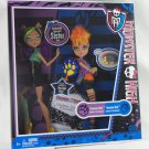 Monster High doll Clawdeen and Howleen Wolf Werewolf Sister pack diary