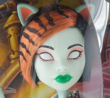 Monster High Scarah Screams / Toralei  doll - Freaky Fusions Save Frankie