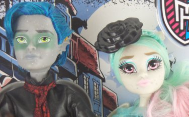 Monster High doll Garrott du Roque & Rochelle Goyle Love in Scaris gargoyle paris