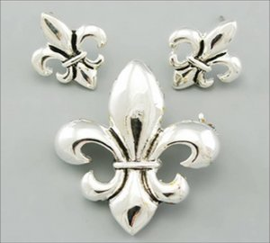 Silver Fleur de Lis Pendant Set