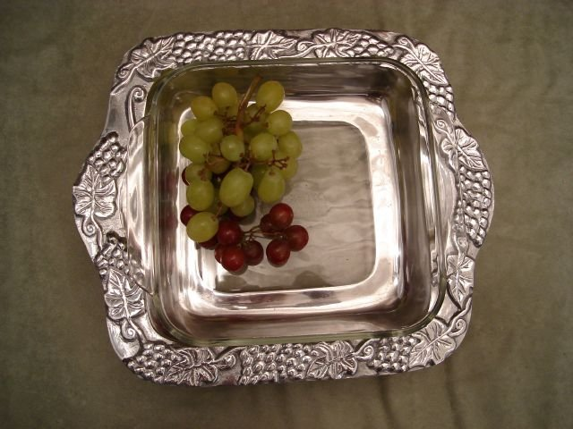 "Grape 8"" x 8"" Pyrex Holder"