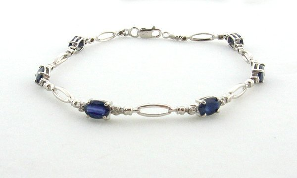 3.84CT Sapphire and 0.01CT Diamond Bracelet