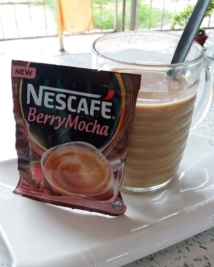 50 NESCAFE Berry Mocha 30g Strawberry Flavor Complete Coffee Mix 2 Cups Per Bag