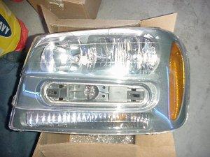 2005 Chevy Blazer Driver side Headlight
