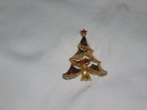 Vintage Holiday Christmas Tree Pin