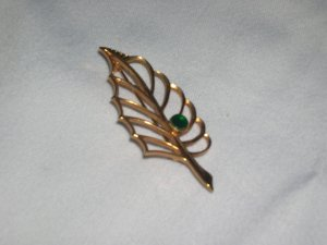 Vintage Goldtone Leaf Pin with Green stone