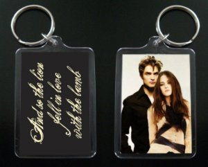 TWILIGHT NEW MOON keychain / keyring Edward and Bella the lion and the lamb