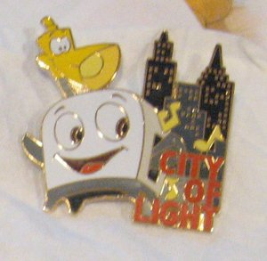 Disney Pins : Magical Musical Moments - City of Light Pin