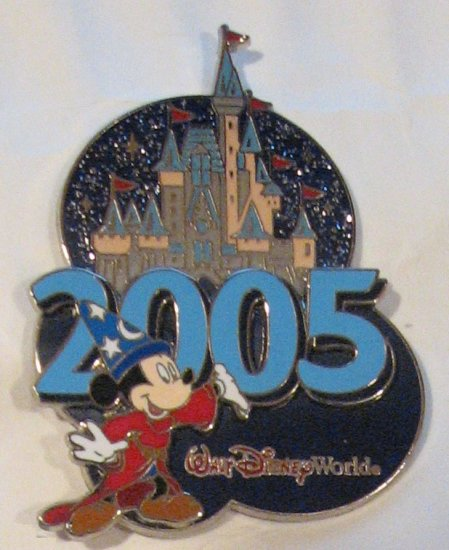 Disney Pins : Sorcerer Mickey with Castle 2005 Pin