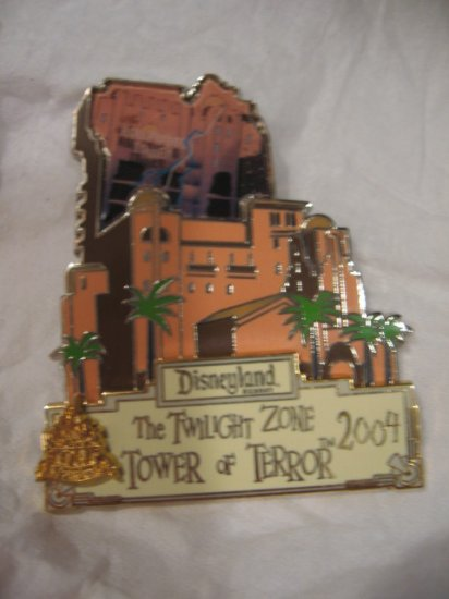 Disney Pins :  Magical Milestones 2004 - Twilight Zone Tower of Terror Pin