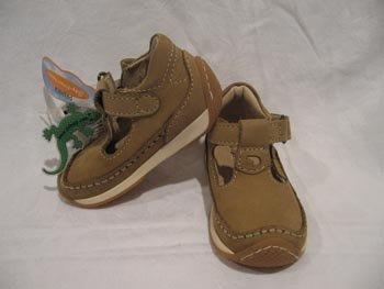 $95 New Primigi Sky Effect toddler Sandal Shoes size 20 4