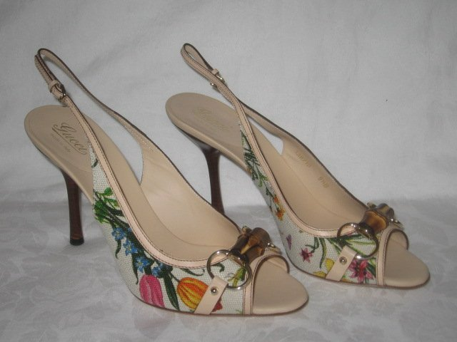 $495 New Authentic GUCCI FLORAL CANVAS BAMBOO HORSEBIT SANDALS shoes size 9.5 - FREE SHIPPING.