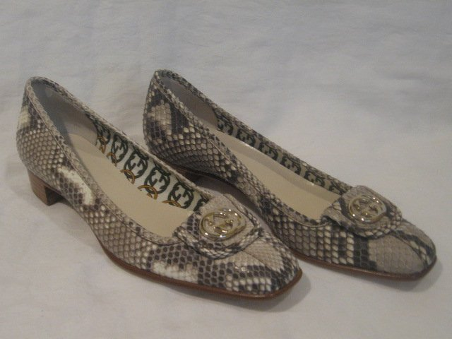 $675 New in Box Authentic GUCCI PYTHON GG PUMPS HEELS shoes size 7 B - FREE SHIPPING.