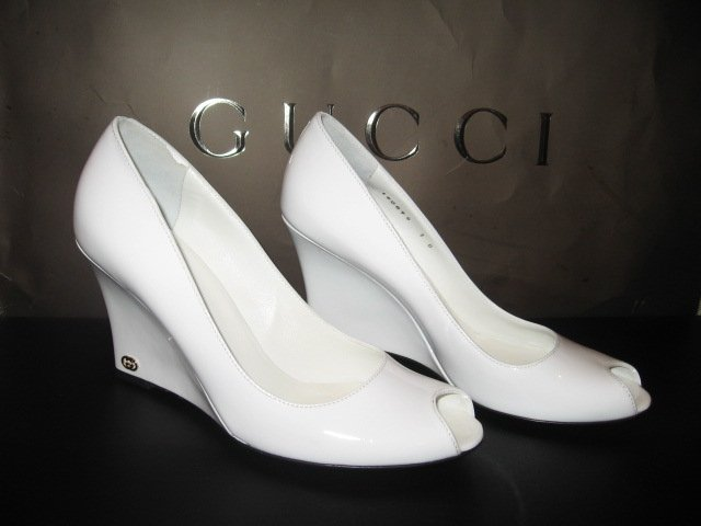 $525 New in Box Authentic GUCCI Women WEDGE PATENT Shoes size  7 B